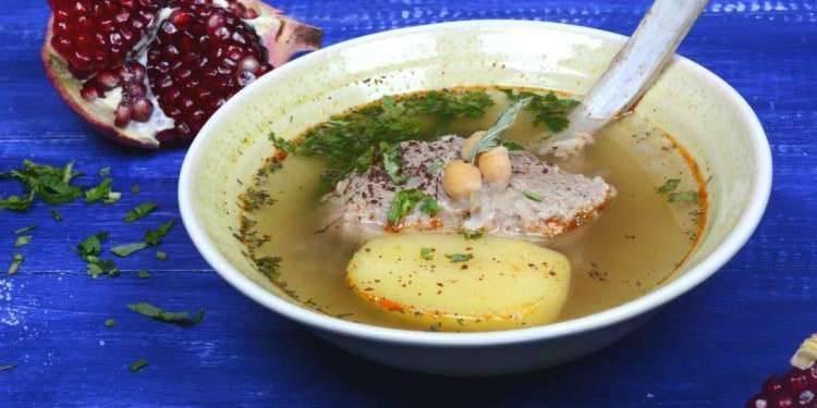 """Классический суп """"Бозбаш"""" из баранины с овощами"""