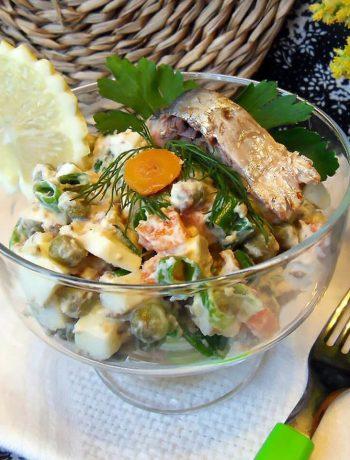 Салат овощной с сардинами в масле