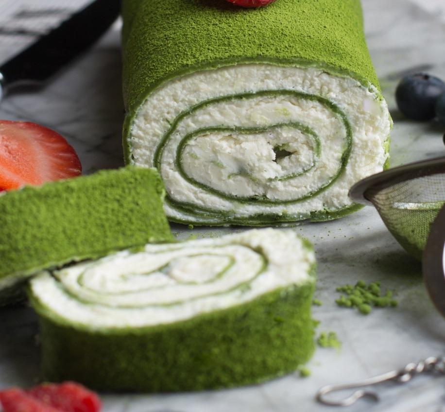 Японский рулет с зеленым чаем