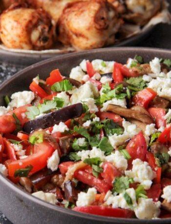 Салат с адыгейским сыром и баклажанами