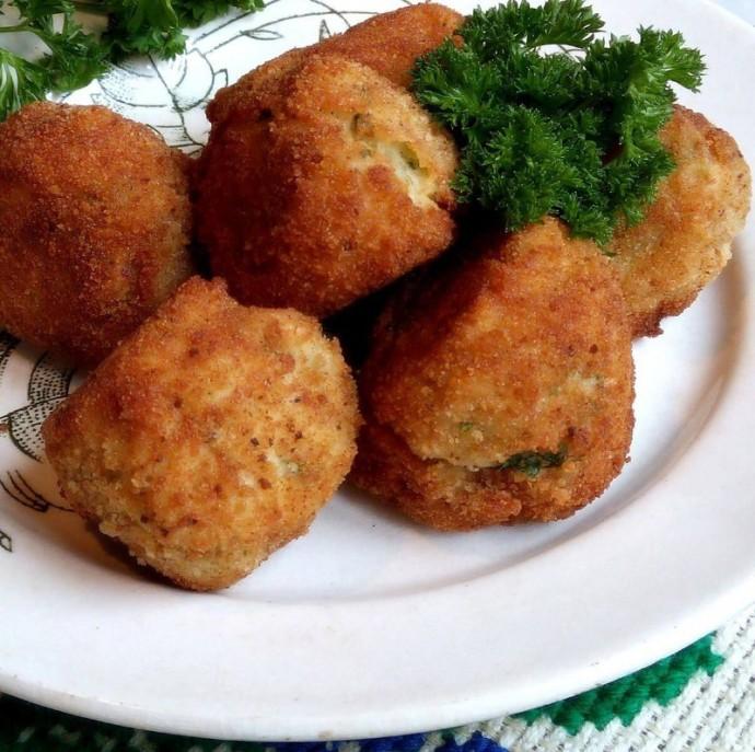 Крокеты картофельные с курицей на косточке