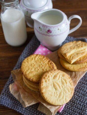 Простое молочное печенье