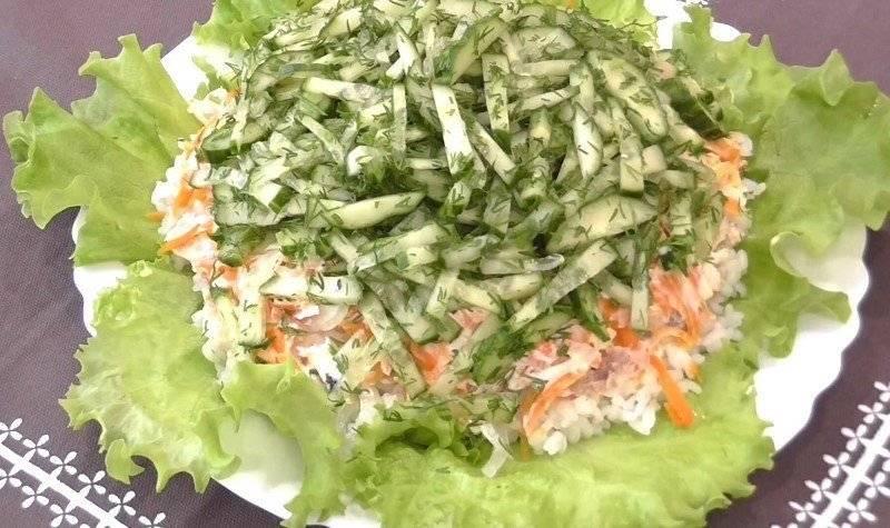 Салат огурцом и с рисом