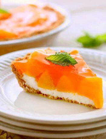 Простой сливочно-персиковый пирог